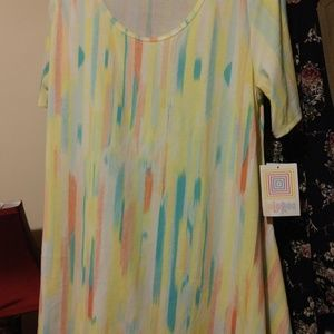 LulaRoe Perfect Tee, Medium, NEW, Sherbet, yellow
